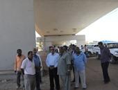 محافظ أسوان يتابع التشطيبات النهائية بكوبرى الشيخ عيسى
