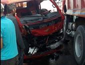 إصابة 2 فى حادث انقلاب سيارة محملة بالحديد على طريق سوهاج البحر الأحمر