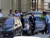 وصول صفوت الشريف ونجله المحكمة لبدء جلسة محاكمتهما بالكسب غير المشروع
