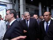 محلب ووزير النقل يدشنان تشغيل أول قطار VIP من القاهرة للإسكندرية