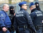 الشرطة الهولندية تعتقل رجلا على طريق سريع قرب مطار بأمستردام