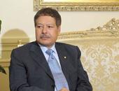 بالصور..  طوابع البريد طريقة مصر لحفظ اسم أحمد زويل