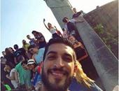 جولة ترفيهية فى شوارع ريو دى جانيرو للاعب الطائرة المستبعد من الأولمبياد