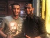 """محمد رمضان ينشر صورته مع أحد سكان وسط البلد أثناء تصوير """"جواب اعتقال"""""""