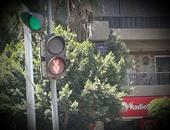 بالصور.. قارئ يرصد خطأ فى تركيب إشارات المرور والكاميرات بمدينة نصر