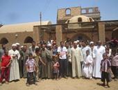 اعتصام أهالى قرية المخلبطية بقنا أمام الوحدة الصحية بسبب عدم وجود طبيب