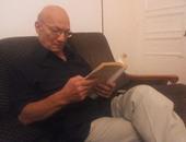 """""""يقرأون الآن"""".. أحمد عبدالمعطى حجازى يقرأ """"تاريخ الإصلاح فى الأزهر"""""""