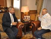 وزير الشباب والرياضة يستقبل نجيب ساويرس
