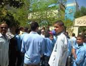 طلاب 3 مدارس بحلايب يمتنعون عن الانتظام فى الدراسة بسبب نقص المدرسين