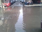 غرق شوارع حى الزهور ببورسعيد إثر انفجار ماسورة مياه