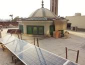 """بالصور.. """"الرحمن"""" أول مسجد يعتمد على الطاقة الشمسية بالكامل فى المعادى.. """"مصطفى"""" شجع رواد المسجد على تركيب خلايا شمسية لتوليد الكهرباء وفلتر لترشيد المياه.. ويحلم بتعميم التجربة"""