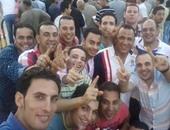 """مرشحو مجلس النواب بكفر الشيخ يفترشون الأرصفة ويتلقطون """"صور سيلفى"""""""