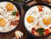 فطارك النهاردة بـ5 جنيهات.. البيض بالطماطم مع العيش والمخلل واحسبى التكلفة
