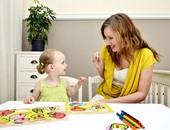 للأمهات.. لا تقلقى على طفلك الذى يلتزم الصمت ويرفض التحدث