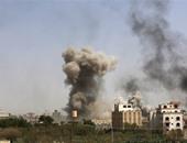 الدخان يتصاعد فى سماء صنعاء بعد اشتباكات بين مؤيدى الحوثى وصالح