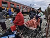 بالصور.. استمرار معاناة المهاجرين على حدود مقدونيا وسط الطقس السيئ