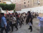 بالصور.. مدارس الغربية تستقبل الطلاب فى أول أيام العام الدراسى الجديد