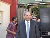 وزير التعليم يعترض على عمل المدرس كحارس أمن.. ويؤكد: هانجيب منين؟