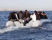 العثور على جثث 21 امرأة ورجل فى قارب للمهاجرين بالبحر المتوسط