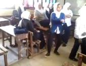 """تداول مقطع فيديو لطالبة ترقص داخل الفصل على طريقة """"عبده موته"""""""