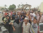 """أهالى عين الصيرة يحتشدون ضد تظاهرات 12 سبتمبر ويرددون: """"هنبنيها بأيدينا"""""""