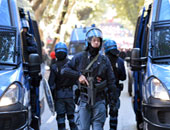 إيطاليا تلقى القبض على 3 أشخاص يشتبه بإدارتهم شبكة لتهريب أسلحة عسكرية