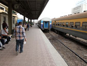 انتظام حركة قطارات السكة الحديد بسوهاج بعد توقفها بسبب عطل بجرار قطار مميز