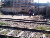 أمن الوادى الجديد يتبادل النيران مع لصوص قضبان السكة الحديد