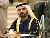 الشيخ محمد بن راشد يعقد اجتماعا لمجلس الوزراء فى أحد مدارس الإمارات
