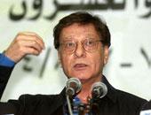 """اذاعة الجيش الاسرائيلى تبث حلقة عن الشاعر الفلسطينى """"محمود درويش"""""""