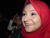 """زوج أسماء محفوظ ساخراً من توكل كرمان """"الثورة لا أم لها """""""