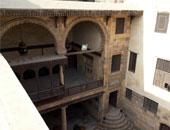 """معرض """"عبر زمانين""""  لطلبة الفنون التطبيقية فى بيت السنارى"""