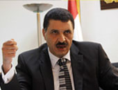 أمن الإسكندرية يخلى عقارًا من سكانه بعد حدوث تصدعات بسبب أعمال حفر بجواره