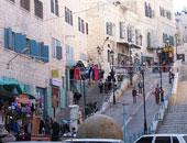 الاحتلال الإسرائيلى يغلق مدخل بيت لحم الجنوبى ويصيب شابا بجروح
