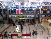 """إغلاق مطار """"نيوارك"""" فى نيوجيرسى الأمريكية بعد حريق بمحرك طائرة"""