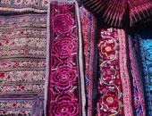 بالفيديو.. شاهد رواد مهنة طباعة النسيج اليدوية فى مدينة أصفهان الإيرانية