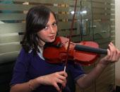 أصغر موهبة فى العزف على الكمان تهوى الدراسة العلمية وتعشق الالتزام الدينى وتحب اللغة والأفلام الألمانية