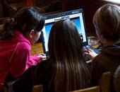 دراسة: قضاء ساعات طويلة أمام التليفزيون والكمبيوتر يعرض الصغار للاكتئاب