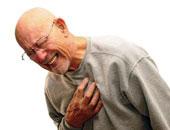 انتبه.. شعورك بألم فى الصدر يمثل المؤشر الرئيسى لإصابتك بجلطة القلب
