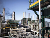 النفط العالمى يتخطى حاجز 60 دولارا بسوق نيويورك لأول مرة فى 2015