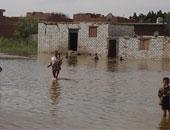 الحماية المدنية تنقذ 25 مواطنا فى البحيرة بعد محاصرة مياه الأمطار لمنازلهم