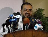 وصول صفوت عبد الغنى وعلاء أبو النصر لمحكمة العباسية لنظر تجديد حبسهما