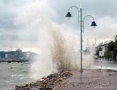 12 قتيلا فى فيضانات بتبيليسى واسود ونمور تجوب شوارع المدينة