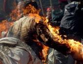 رجل يشعل النار فى جسده خارج برلمان نيوزيلندا