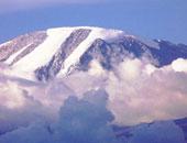 مقتل سائح كندى فى حادث قفز بالمظلة بجبل كليمنجارو بتنزانيا