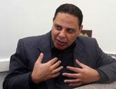 بلاغ للنائب العام ضد علاء الأسوانى بتهمة الدعوة لإضراب عام وقلب نظام الحكم
