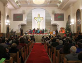 إجراءات أمنية مشددة وبوابات كاشفة للمعادن بالكنيسة الإنجيلية فى عيد القيامة