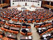 البرلمان التركى يمدد تفويض الجيش بالتدخل العسكرى فى العراق وسوريا