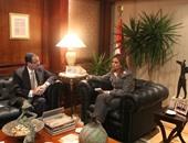 """وزير التنمية الإدارية الأسبق ضيف """"بالعربى"""" على صوت العرب السبت"""