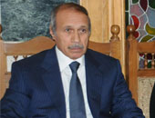 حبيب العادلى يتلقى عزاء شقيقه بمسجد عمر مكرم